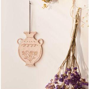 Flower vase shaped tile wall hanging UO